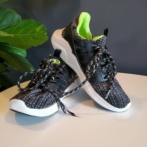 Athletic Works | Black Lime Knit Athletic Shoes